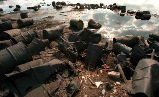 Poluição e contaminação de solos pode ocorrer em cidades grandes e pequenas e trazer riscos ao meio ambiente